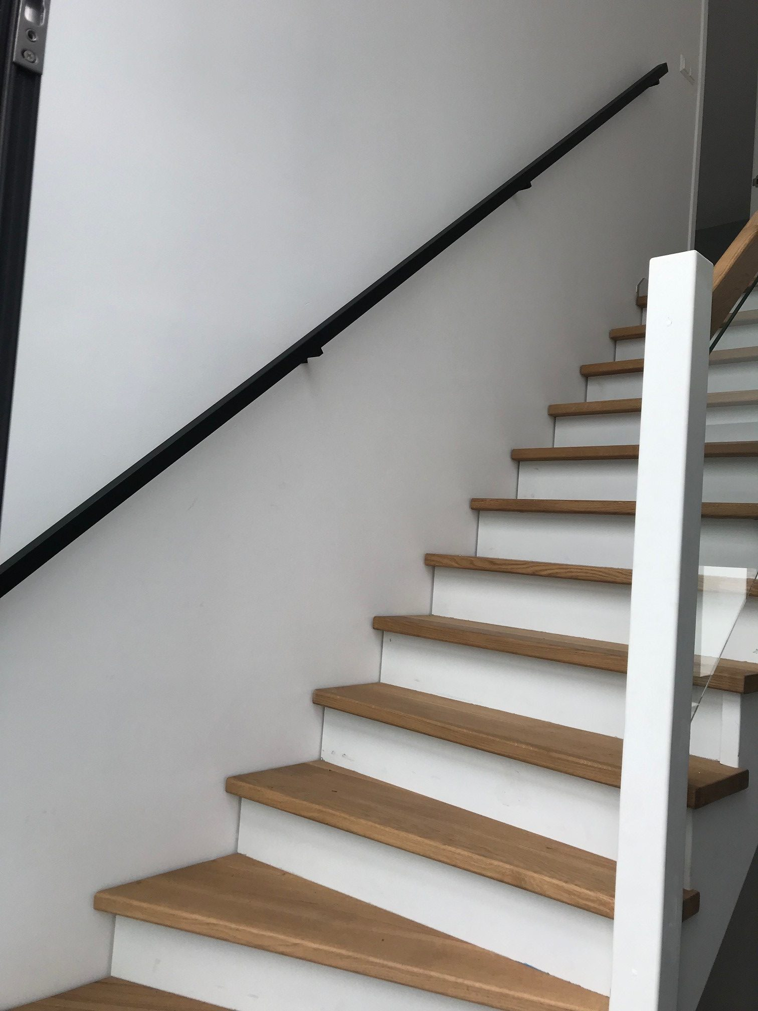 trapleuning zwart modern