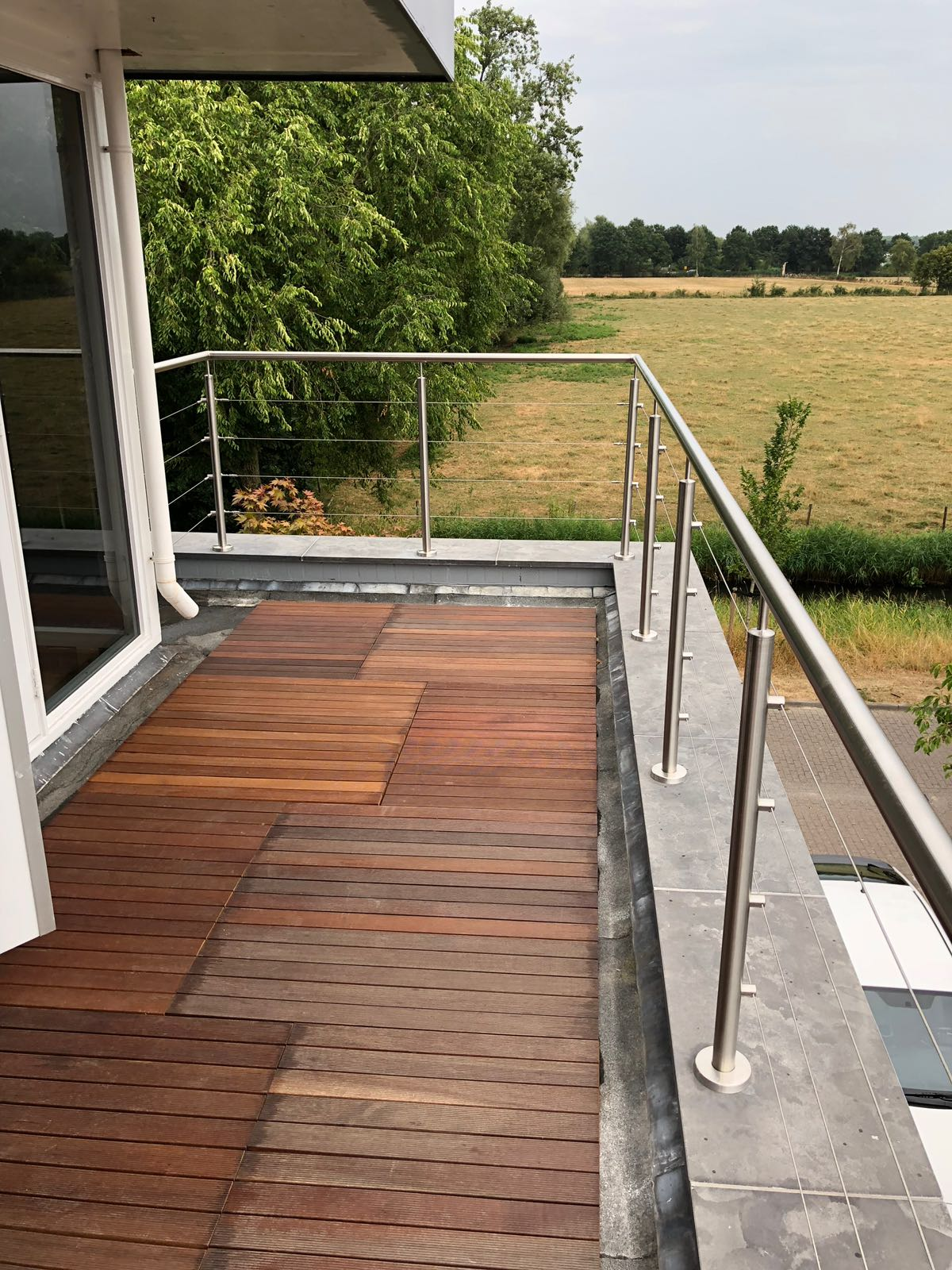 rvs balustrade met rvs kabel